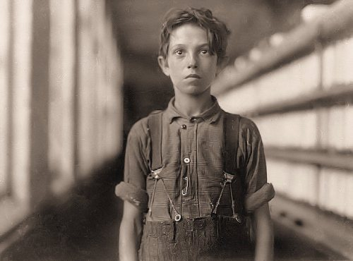 Jo Bodeon, back-roper in mule room at Chace Cotton Mill, Burlington, VT, by Lewis Hine