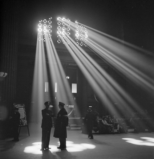 Chicago, Illinois. In the waiting room of the Union Station, photo by Jack Delano, 1943.