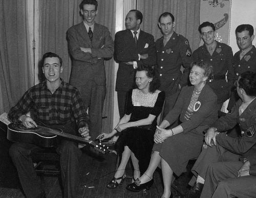 Folksinger Carlie Tart, photo by Joseph A. Horne, February 1944