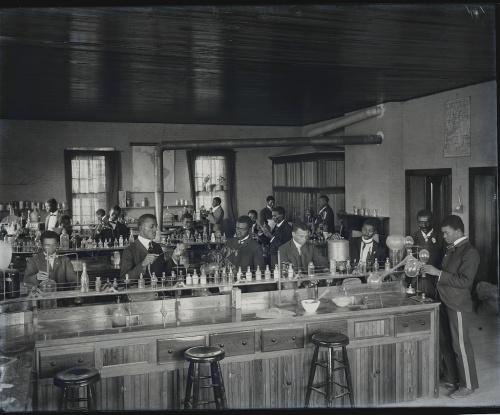 Chemistry Lab 1902